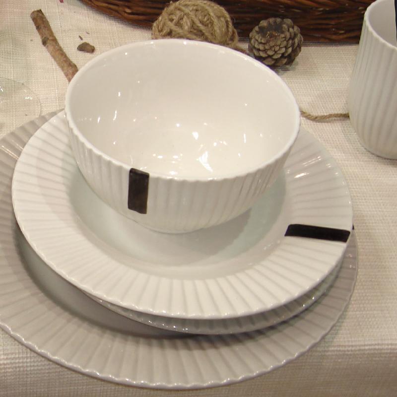 embossed tableware set